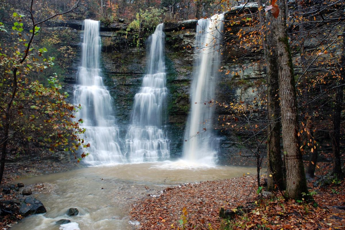 Neil ellis photos the rugged beauty of triple falls for Cabins near buffalo river arkansas